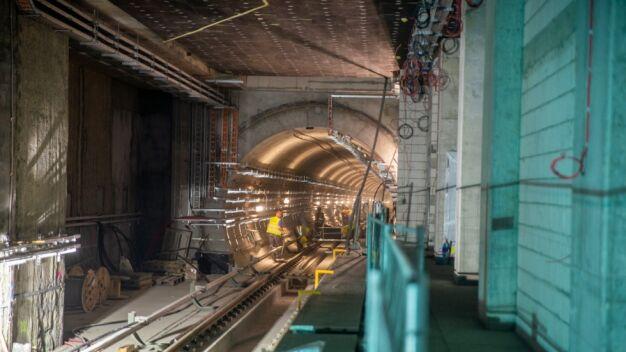 Tak wyglądają stacje metra na Woli. Budowa ma się skończyć za 3 miesiące