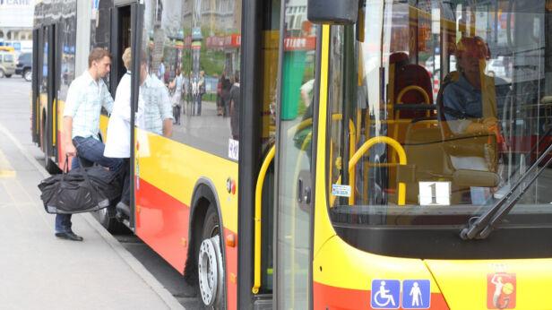 Nie wszystkie autobusy są wyposażone w klimatyzację Archiwum tvnwarszawa.pl