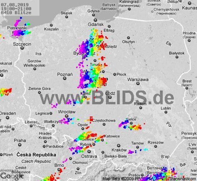 Ścieżka przechodzenia burz w godz. 19-21 (BLIDS.de)